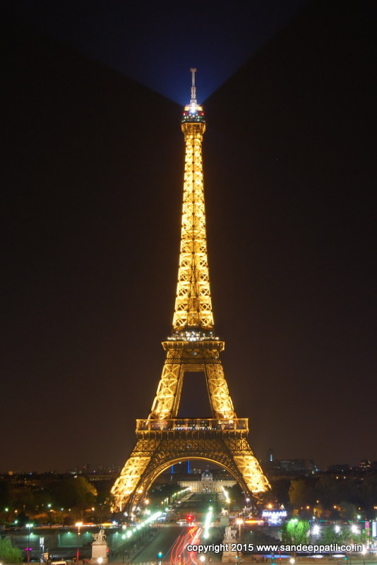 Eiffel_Tower02.jpg